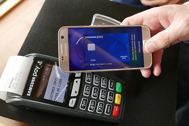 Как оплачивать телефоном вместо карты в магазине